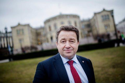 Dette bildet er fra mars i 2015 da Kjell-Idar Juvik nesten var halvveis inne i sin første periode på Stortinget. Nå stiller han seg disponibel igjen for partiet til nominasjon på Stortinget neste valg.