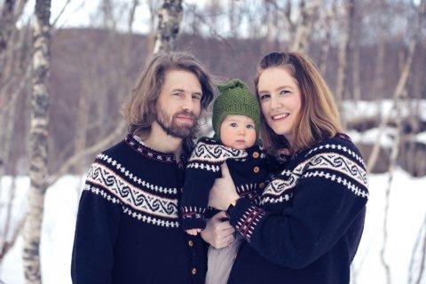 GODE MINNER: Avdøde Håvard Svendsen, sammen med datteren Signe og Lena Allstrin.