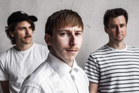 Øyvind Røsrud Gundersen, Robin Skog og Marius Simonsen utgjør sammen det nye bandet Care. Nå slipper de sin første singel.