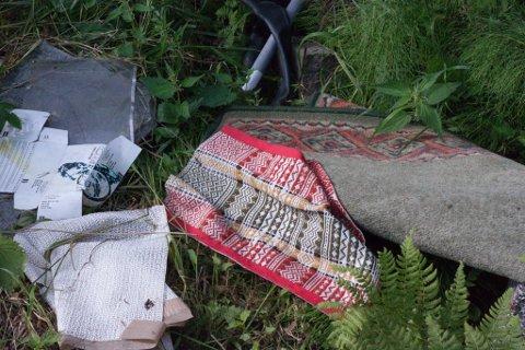 Søppel er det første som møter turgåere ved hundeløypa på Gruben.