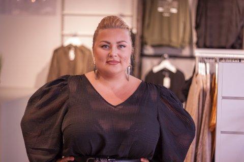 Stina Mari Bohlin er daglig leder for butikken Curvy