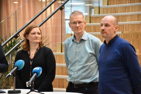 Ordfører Ida Pinnerød, smittevernoverlege Kai Brynjar Hagen og helseleder Stian Wik Rasmussen under en pressekonferanse tidligere i år. Tirsdag ble det bekreftet et nytt smittetilfelle i Bodø.