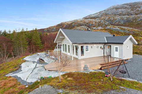 Solgt: Fagervikveien 493 har fått nye eiere etter en tøff budrunde.