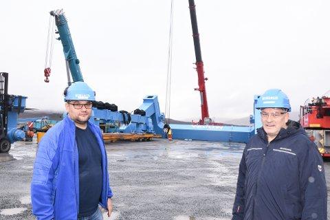 Den nye båtheisen vi har kjøpt kan heise opp båter med en vekt på opp til 460 tonn, sier driftsleder Daniel Etmanski  og daglig leder Arnt Skogsøy ved Westcon Helgeland.