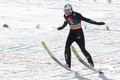 Robin Pedersen i aksjon i Planica. Nå kan DU sette et knall nedslag og samtidig være med i en konkurranse i regi av Norges Skiforbund.