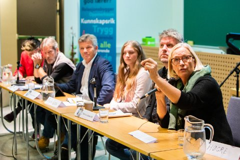 Marit Arnstad har deltatt på utdanningspolitisk konferanse på Nesna tidligere, og kommer tilbake sammen med fire andre politikere i Utdannings- og forskningskomiteen på Stortinget.
