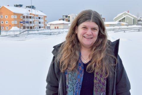 –Mennesker er jo veldig ens. Og samtidig utrolig forskjellige. I distriktene tror jeg kanskje folk har en mulighet til å være seg selv på en måte. De har muligheten til å bli mer autentisk - seg selv, sier Astrid Eiterå som er kommunepsykolog i Rødøy, Træna og Rødøy.
