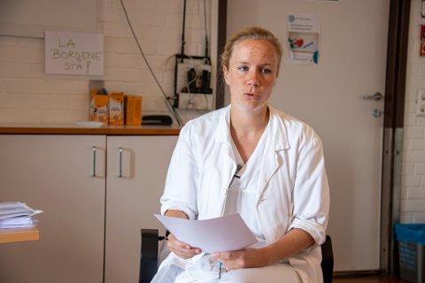 TILLITSVALGT: Ingeborg Steinholt er tillitsvalgt for Yngre legers forening ved enheten i Sandnessjøen. Her er hun avbildet ved en tidligere anledning. Steinholt er for øyeblikket i barselpermisjon fra jobben som lege ved Helgelandssykehuset.