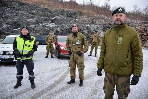 Norske hytteiere i Sverige kan igjen ta en dagstur inn til Sverige for å gjøre nødvendig vedlikehold på fritidsboligen uten karantene- og testplikt.  - Dette under forutsetning at de har forholdt seg til regelverker, og at de er norske statsborgere, sier personalbefal i Heimevernet Anders Rønning (midten).
