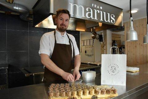 Kokk Marius Martinsen (35) ved Til Elise fra Marius opplevde stor interesse for forretter og desserter, da restauranten solgte det for å tømme kjøkkenet før en ny runde med koronastenging.