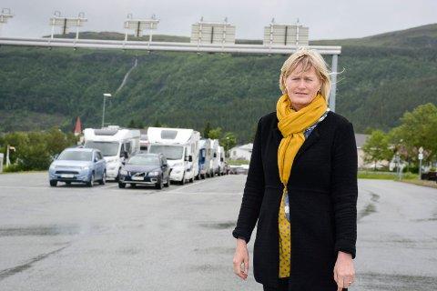 - Det hjelper ikke mye med større ferjer, om vi får nye og dårligere rutetider, sier ordfører Hanne Davidsen i Nesna, som er glad for at det endelig kommer ferger med større kapasitet.