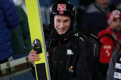 Robin Pedersen kom på en sterk sjuende plass under et hopprenn i Chaikovsky i Russland lørdag formiddag.