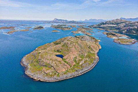 Bjørnøya har fått ny eier. Nå planlegges det storstilt utbygging på øya som ligger i Rødøy kommune.