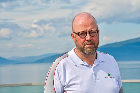 - Vi har ingen planer å selge våre aksjer i Sjonfjellet Vindpark Holding AS, men kommer det et bud, vil det bli bli vurdert. Fram til det skjer har vi en passiv rolle med vår lille aksjepost, sier ordfører Geir Waage i Rana kommune.