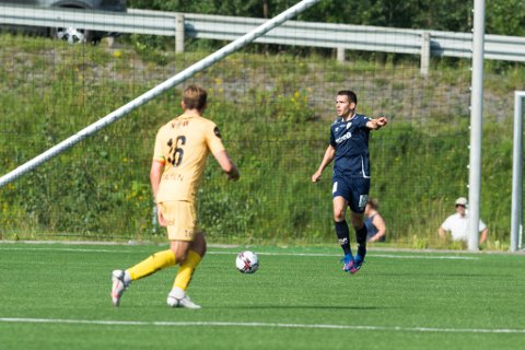 SOLID: Marius Bjørnmyr spilte en god kamp i midtforsvaret for Rana FK.