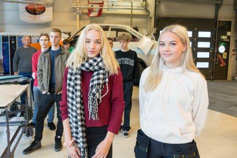 Iselin Widnes og Angela Solvang vil begge ta fagbrev som billakkerer.