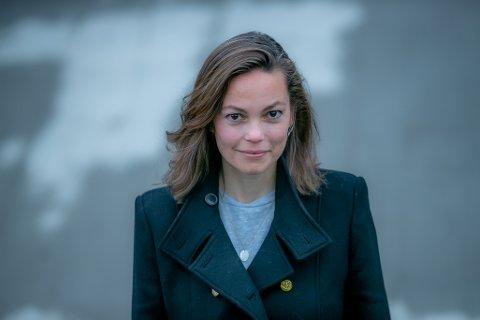 I TROMSØ: For ett år siden kom Elisabeth Rasmussen tilbake til Tromsø etter knalltøff, men livreddende, kreftbehandling i USA. Nå jobber hun seg tilbake til hverdagen, med stor gjeld - men enda større livsglede.