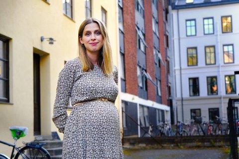 KAN BLI SYK: Heidi Jor er glad for at hun nå har fått vaksinen, men er redd for å bli koronasmittet. Selv har hun liten forståelse for at man gikk bort fra munnbindpåbudet når smittetrykket økte.