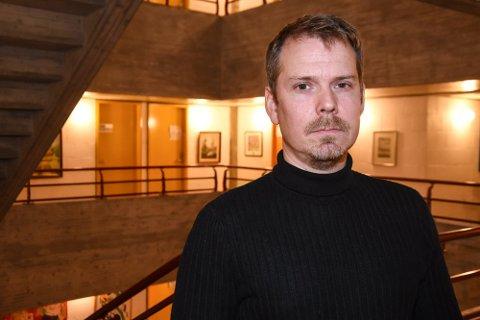 Kommuneoverlege Frode Berg sier det er respektløst hvis man unnlater å møte opp til vaksinetimen.