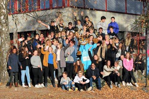 Lillehammer 2016 skal besøke over 20 skoler til sammen i begge fylker, og første stopp på turnéen var Brøttum barne- og ungdomsskole og Moelv ungdomsskole.