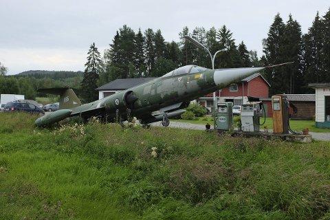 Flyttes: Jagerflyet er en F-104 Starfighter. Flytypen fløy første gang i 1954, tatt i bruk i Norge i 1963, erstattet av F-16 på 80-tallet.