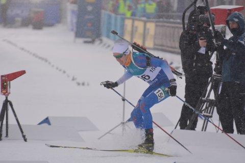 God start: Hans Kristian Sørum fra MjøsSki startet sterkt, og holdt verdensstjernen Martin Fourcade unna i over 2 kilometer.
