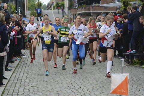 PUBLIKUMSVENNLIG: Sprint-NM i orientering i Hamar sentrum ble en suksess.