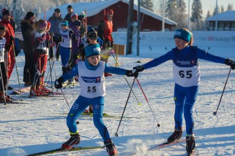 Modølene Inger Grini og Sofie Margrethe Robstad herjet i Tour de Hedmarken i desember og var overlegne i sprintstafetten søndag.