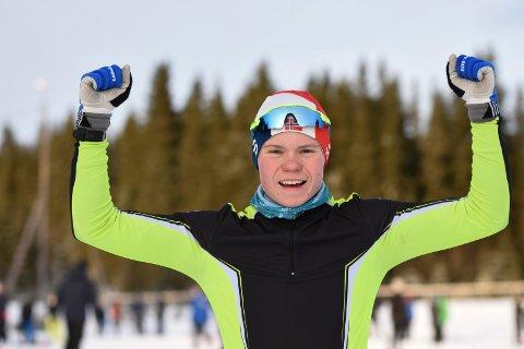 Jubler: MjøsSki-løper Odin Høie Vollum (G16) ble søndag nummer tre i Kvalfossprinten i Kollen.