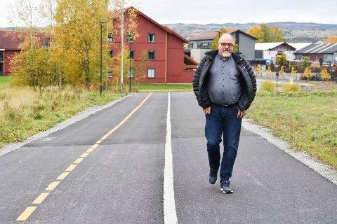 Arne Skarseth (Ap) - moderne gang- og sykkelveg i Brumunddal gang- og sykkelveg