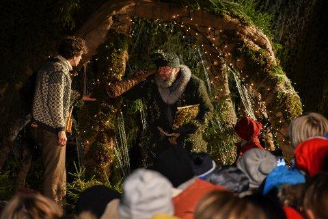 Snekker Andersen og julenissen har bidratt til svært godt besøk på Prøysenhuset i førjulstida.