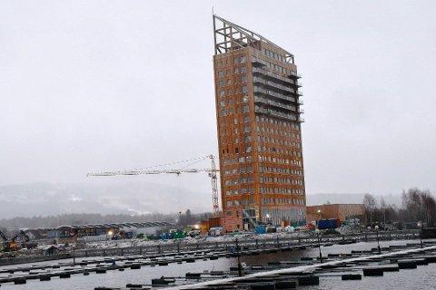 Mjøstårnet skal etter planen åpnes i mars.