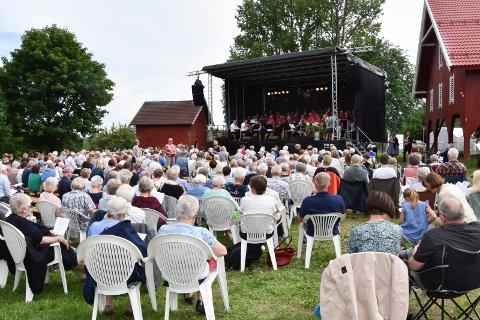 20. juni i år arrangeres sommerkonsert på Mo gård i regi av Venner av Mo. Her fra konserten i 2018.
