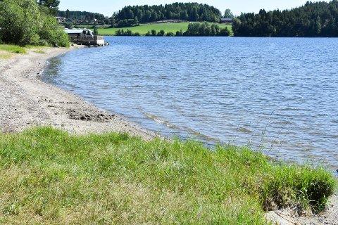 SANDA: Populær badeplass i Moelv.