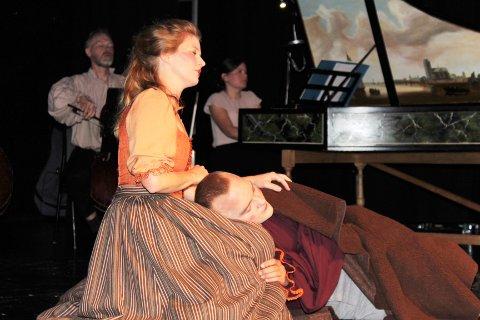 BAROKKEN: Publikum på Tingnes fikk lørdag kveld oppleve klassiske verk fra barokken på scenen i kulturhuset.