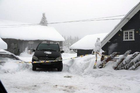 HJEMMET: Politiet mener Janne Jemtland ble skutt hjemme på eiendommen i Veldre, men obduksjonsrapporten antar at drukning var selve dødsårsaken.