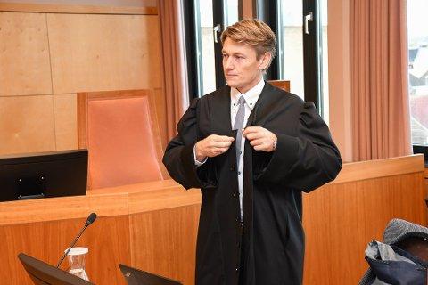 ANKER: Mannens forsvarer, André Lillehovde van der Eynden, forteller at mannen anker over straffeutmålingen.