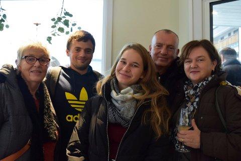 Hanne Østby Granmo, Ivan Kreic, Eva Kanizaj og Marinko og Mirjana Kreic hadde tatt turen til åpningen av turistkontoret torsdag.
