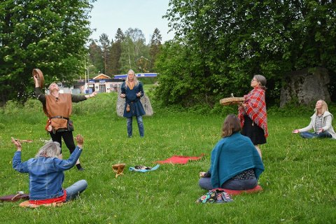 STØTTE: Sjamanistisk forbund er blant dem som får støtte av Ringsaker kommune. Her fra en sjamanistisk seremoni i Moelv tidligere i år.