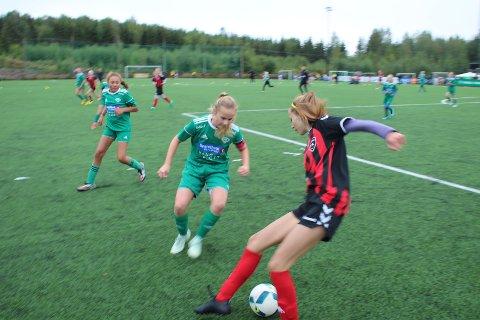 Gode: Furnes fotball, her representert ved J07/08 under en jenteturnering på Gaalaas i høst, er gode på Fair play.