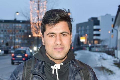 HAR FÅTT OPPHOLD: Syray Kahn (19) er en av guttene som bodde på Brumund asylmottak, som har fått opphold i Norge. Nå kan han endelig leve et fullverdig liv.