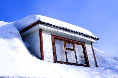 STENGT: Dårlig utluftning om vinteren fører til at fuktighet stenges inne i huset. Foto: Colourbox