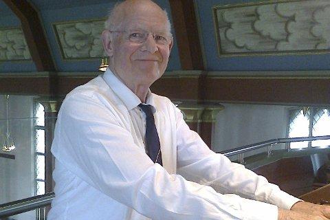 Flygelkonsert: James Dickenson holder flygelkonsert i Brumunddal kirke søndag klokka 19.