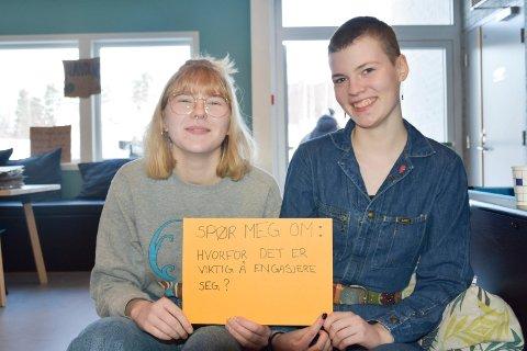 ENGASJERTE: Ringsaker Blad tok oppfordringen fra Else Marie Brobakken (16) (t.v.) fra Furnes og Ida Martine Handegaard (18) fra Gausdal, og spurte de to jentene hvorfor det er viktig at vi engasjerer oss.