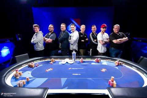 Her er de som skal spille på finalebordet i poker.