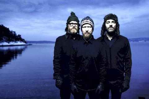 Helge Lien Trio: Feirer 20-årsjubileum og slipper dobbeltalbumet «10» fredag 5. april, på Victoria Nasjonal Jazzscene i Oslo.