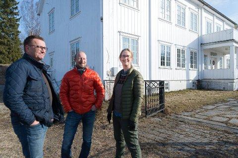 UTFORDRING: Katrine Aastad har utfordret Terje Hubred i Nordborlig og Trond Olav Horten i Beias-gruppen om å lage boliger og felleskapsløsninger som gir minimalt med klimautslipp.