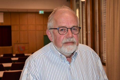 SKEPTISK: Sp-politiker Amund Bø frykter tyngepunktet i et partnerskap mellom Eidsiva og Hafslund vil bli i Oslo. Bøe er vararepresentant for Sp i kommunestyret, og var kalt inn onsdag på grunn av forfall. Da benyttet han anledningen til å gå på talerstolen.