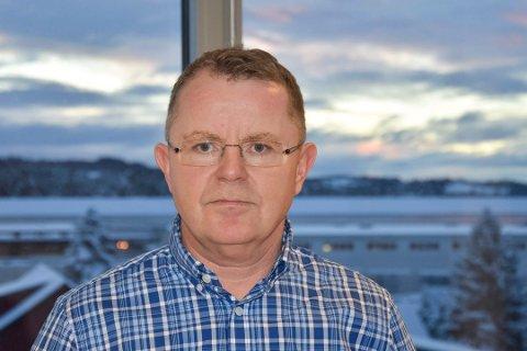 TØFFERE: Meierisjef Lars Tore Ramsberg forteller at de merker tøffere konkurranse fra import.