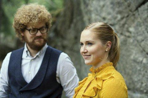 Konsert: Aslak Opsahl Brimi og Mari Midtli med Sinfonietta Innlandet, holder konsert hos Galleri Fjellsol søndag klokka 19.